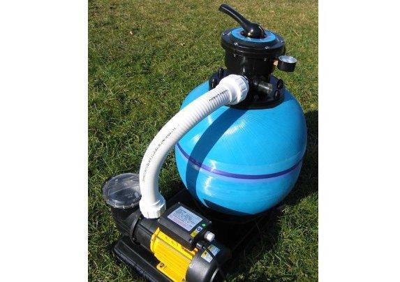 Pompa e filtro a sabbia per pulizia piscina - Filtro piscina a sabbia ...